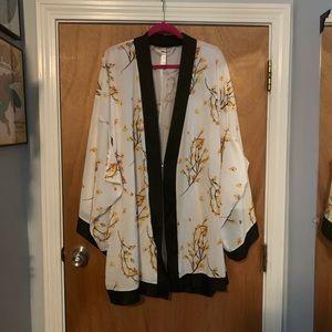 Cacique Kimono style robe